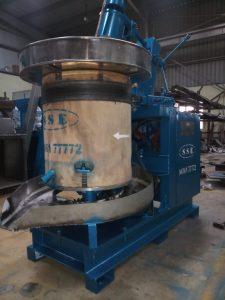 Wooden Chekku Oil Extraction Machine